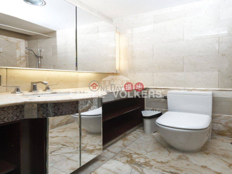 Property Search Hong Kong | OneDay | Residential, Sales Listings 3 Bedroom Family Flat for Sale in Tai Kok Tsui
