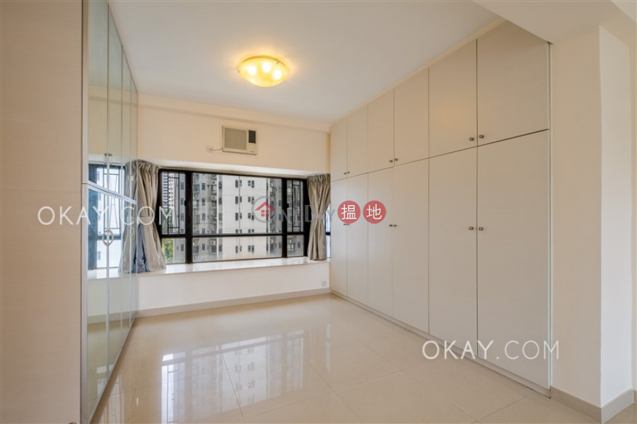 HK$ 39.5M, Beverly Hill   Wan Chai District Lovely 3 bedroom with balcony & parking   For Sale
