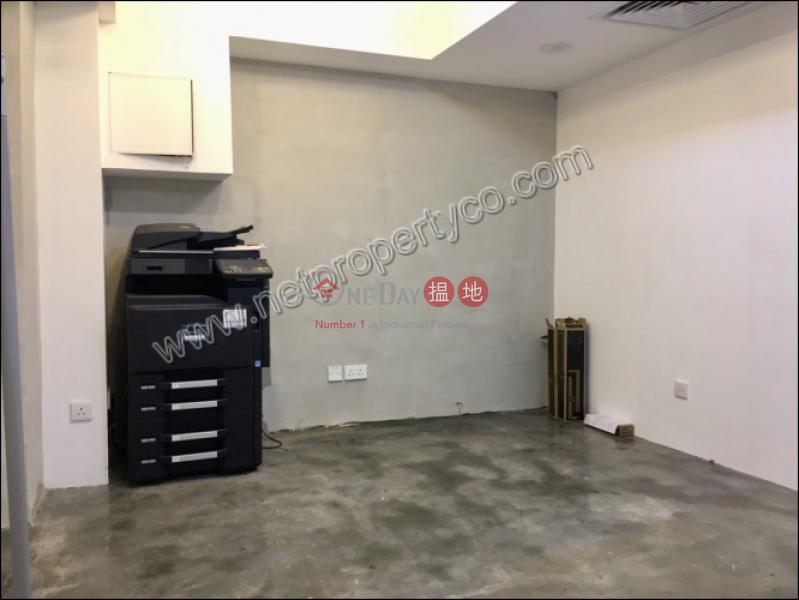 皇后中心|58-64皇后大道東 | 灣仔區香港-出租|HK$ 21,800/ 月