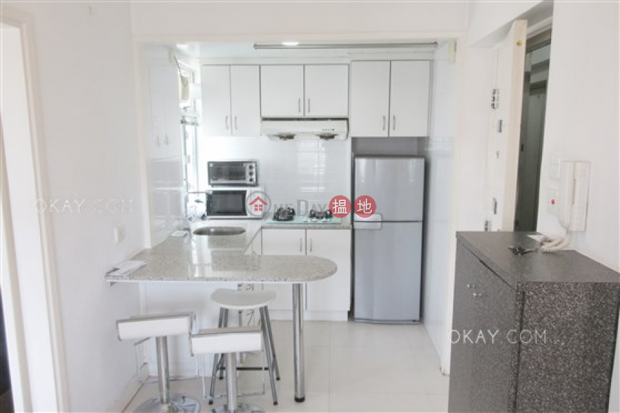 Tasteful 1 bedroom on high floor with rooftop | Rental | Kee On Building 祺安大廈 Rental Listings