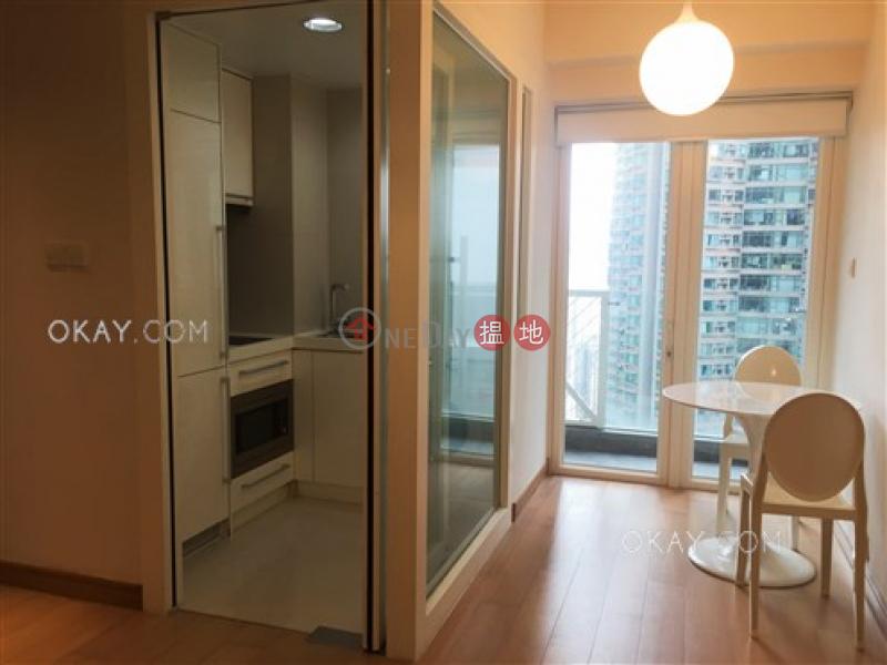 1房1廁,星級會所,露台《干德道38號The ICON出租單位》-38干德道 | 西區-香港-出租|HK$ 25,000/ 月