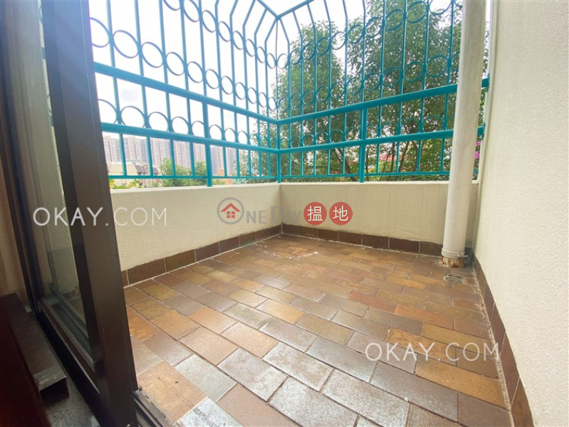 HK$ 39,000/ month, Laurna Villa Sha Tin, Unique 3 bedroom with balcony & parking | Rental