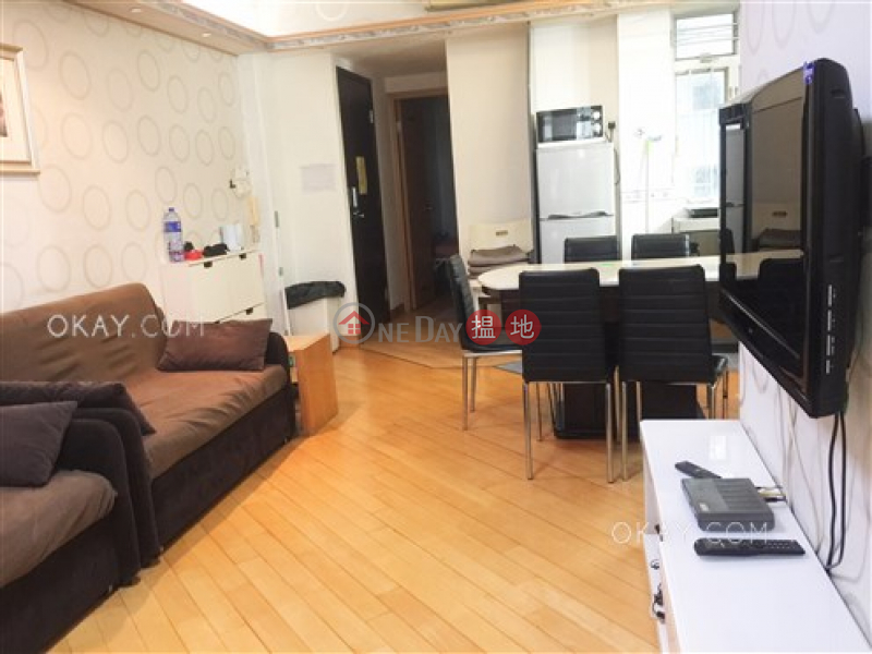 Generous 3 bedroom on high floor | Rental | Sai Kou Building 世球大廈 Rental Listings