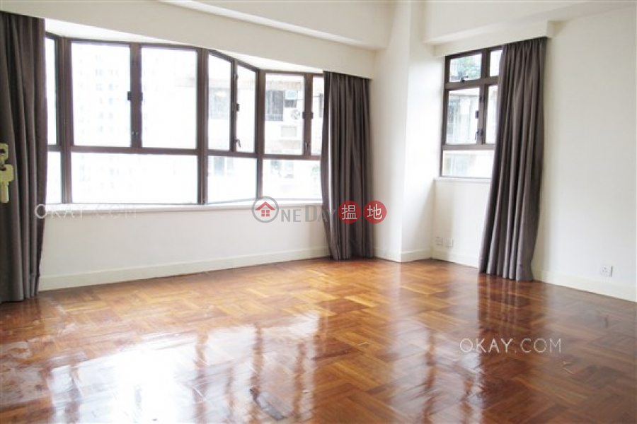 HK$ 58,000/ month | Wing Wai Court Wan Chai District Lovely 3 bedroom with parking | Rental