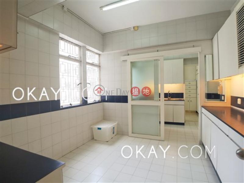 3房2廁,實用率高,連車位,露台《玫瑰新邨出租單位》|玫瑰新邨(Villa Monte Rosa)出租樓盤 (OKAY-R85025)