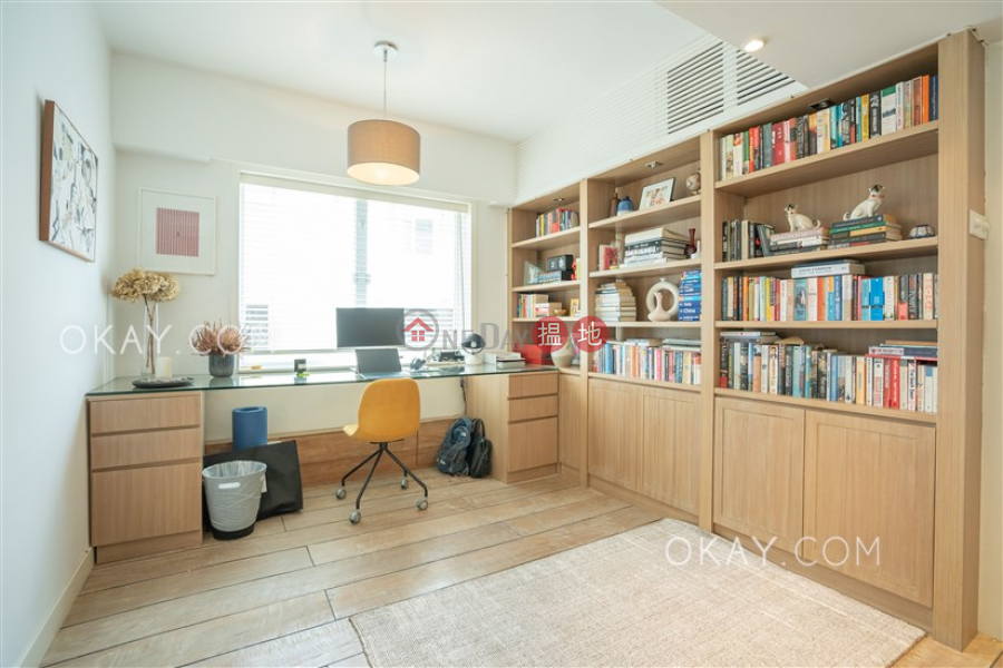 Property Search Hong Kong | OneDay | Residential, Sales Listings | Elegant 1 bedroom on high floor with parking | For Sale