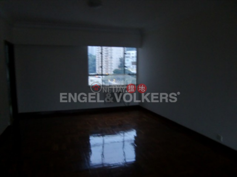HK$ 123,000/ month | St. Joan Court Central District, 2 Bedroom Flat for Rent in Central Mid Levels