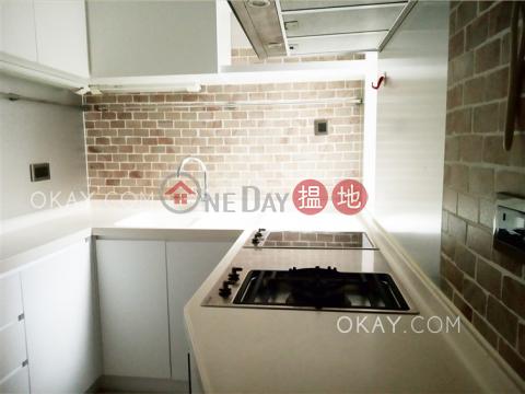 Efficient 3 bedroom on high floor with parking | For Sale|Block B Grandview Tower(Block B Grandview Tower)Sales Listings (OKAY-S25039)_0