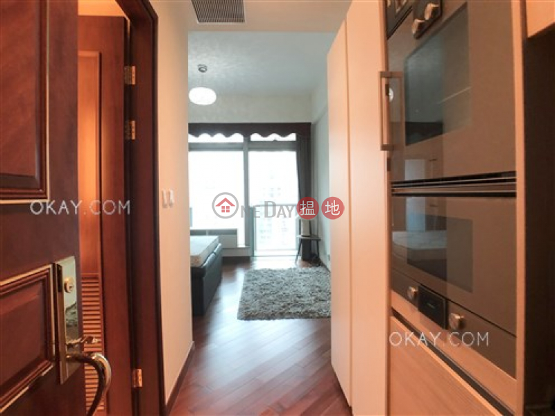 Nicely kept studio with balcony | For Sale 200 Queens Road East | Wan Chai District, Hong Kong | Sales HK$ 12.8M