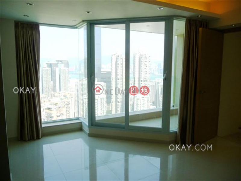 HK$ 45,000/ month | Block A (Flat 1 - 8) Kornhill Eastern District | Rare penthouse with sea views, balcony | Rental