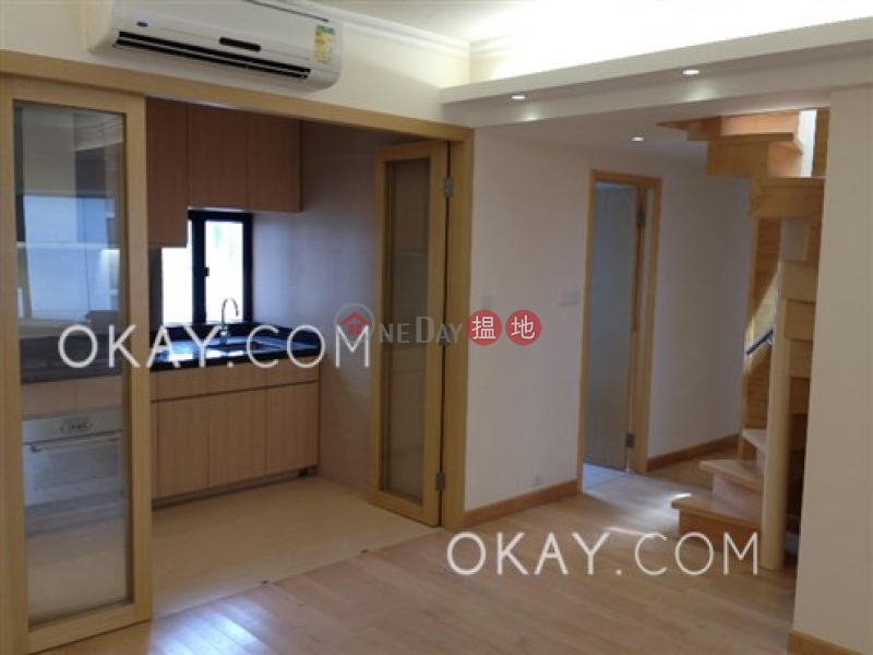Charming penthouse with rooftop & parking | Rental | 1 Tai Hang Road 大坑道1號 Rental Listings