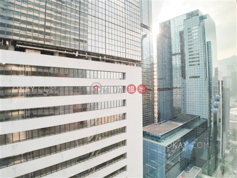 Gorgeous 1 bedroom on high floor | Rental | Convention Plaza Apartments 會展中心會景閣 Rental Listings