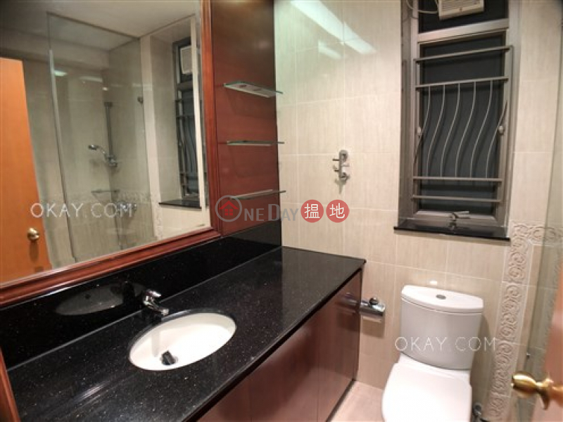 Exquisite 3 bedroom in Kowloon Station | For Sale | Sorrento Phase 2 Block 2 擎天半島2期2座 Sales Listings