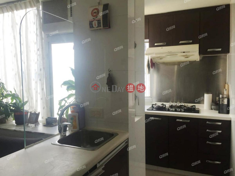 Property Search Hong Kong | OneDay | Residential Rental Listings | Wah Po Building | 2 bedroom High Floor Flat for Rent