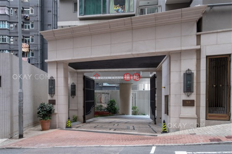 Luxurious 3 bedroom on high floor with balcony | For Sale | Seymour 懿峰 Sales Listings