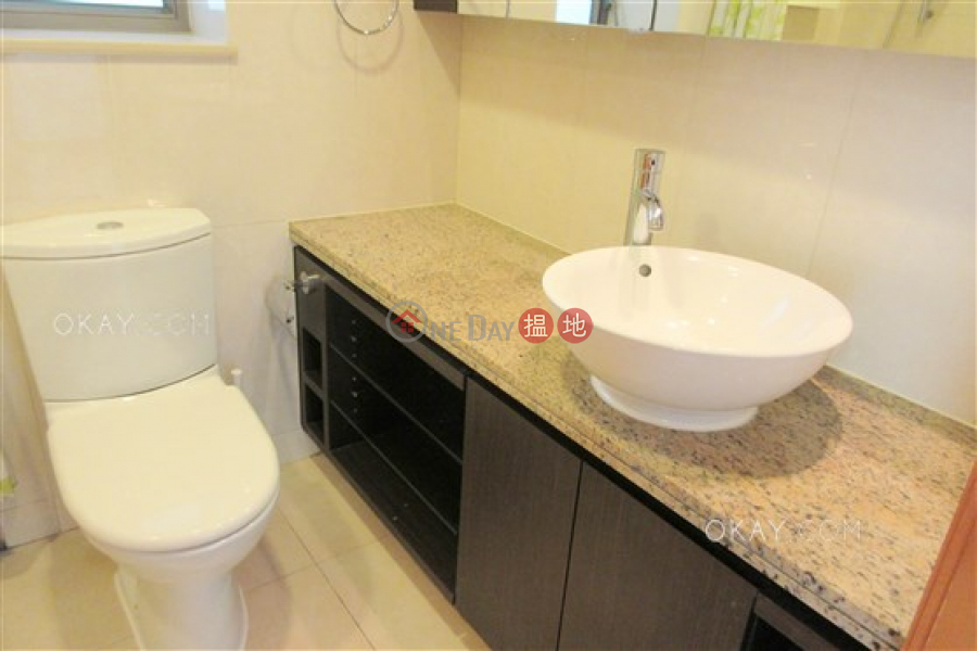 Unique 2 bedroom on high floor with balcony   Rental   The Zenith Phase 1, Block 2 尚翹峰1期2座 Rental Listings
