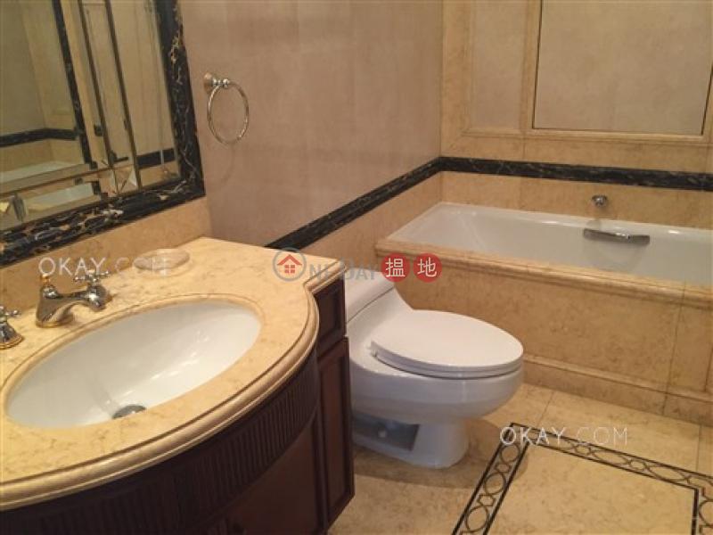 Beautiful 3 bedroom with balcony & parking   Rental   Branksome Crest Branksome Crest Rental Listings