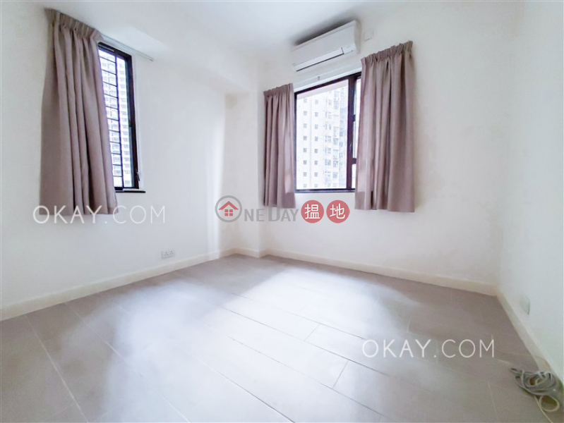 HK$ 1,800萬|嘉輝大廈西區|3房2廁,露台《嘉輝大廈出售單位》