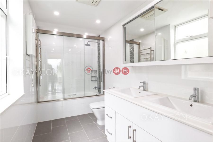 Beautiful 3 bedroom with balcony & parking | Rental | Pine Villa 松柏園 Rental Listings