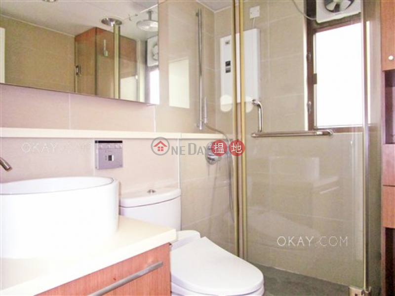 Popular 3 bedroom with parking | For Sale | Crescent Heights 月陶居 Sales Listings