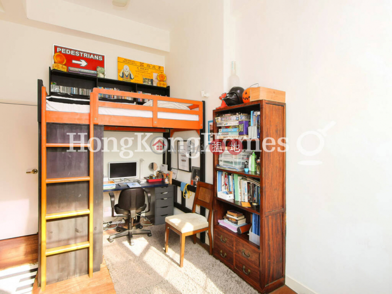HK$ 70,000/ month | Albany Court Western District 3 Bedroom Family Unit for Rent at Albany Court