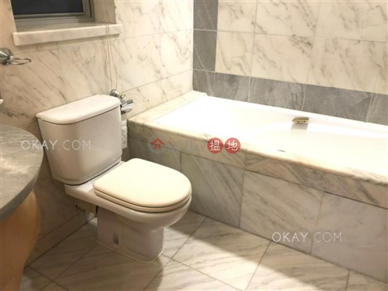 3房2廁,實用率高,星級會所《漾日居1期3座出租單位》-1柯士甸道西   油尖旺香港 出租-HK$ 39,000/ 月