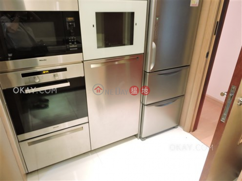 Stylish 3 bedroom with balcony | Rental, No 31 Robinson Road 羅便臣道31號 Rental Listings | Western District (OKAY-R6537)