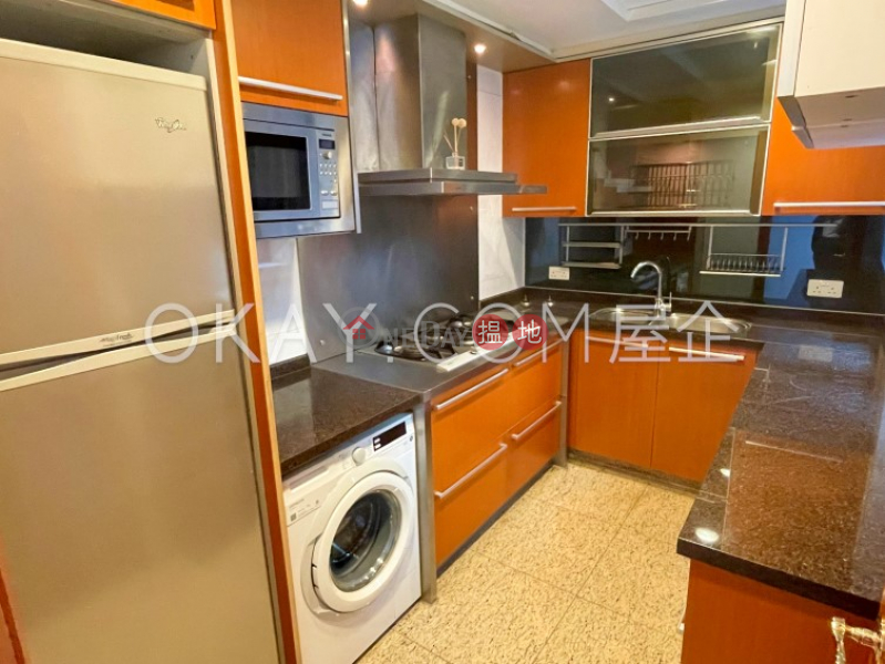 HK$ 45M   The Arch Moon Tower (Tower 2A),Yau Tsim Mong, Stylish 3 bedroom on high floor with balcony   For Sale