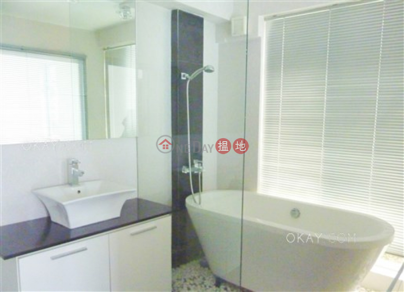 HK$ 2,700萬-企嶺下老圍村|馬鞍山|4房4廁,海景,連車位,露台《企嶺下老圍村出售單位》