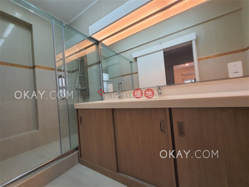 HK$ 73,000/ month, Catalina Mansions Central District Gorgeous 3 bedroom with balcony & parking | Rental