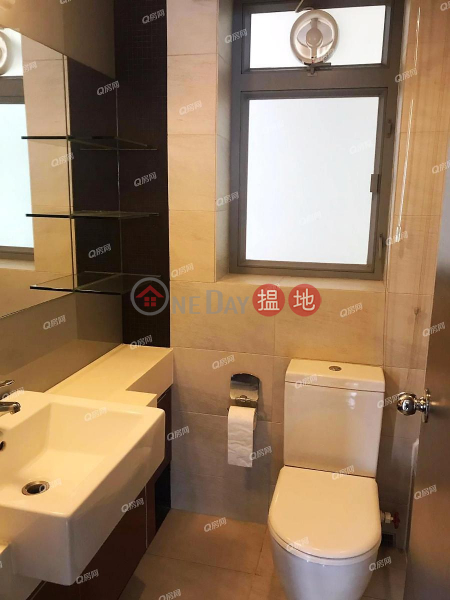 Property Search Hong Kong | OneDay | Residential | Rental Listings Tower 6 Grand Promenade | 3 bedroom High Floor Flat for Rent
