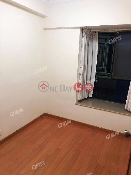HK$ 30,000/ month, Tower 6 Island Resort | Chai Wan District Tower 6 Island Resort | 3 bedroom Mid Floor Flat for Rent