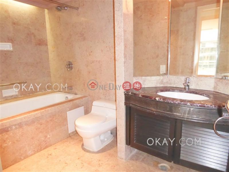 Nicely kept 1 bedroom on high floor | Rental | Convention Plaza Apartments 會展中心會景閣 Rental Listings