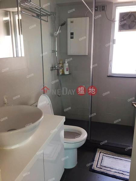 Friendship Court | 3 bedroom Mid Floor Flat for Rent 12-22 Blue Pool Road | Wan Chai District Hong Kong | Rental HK$ 42,000/ month