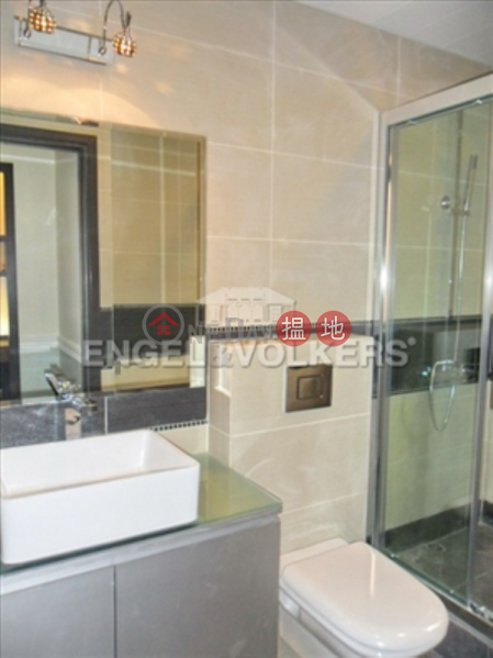 HK$ 36,000/ month Roc Ye Court   Western District 3 Bedroom Family Flat for Rent in Mid Levels West