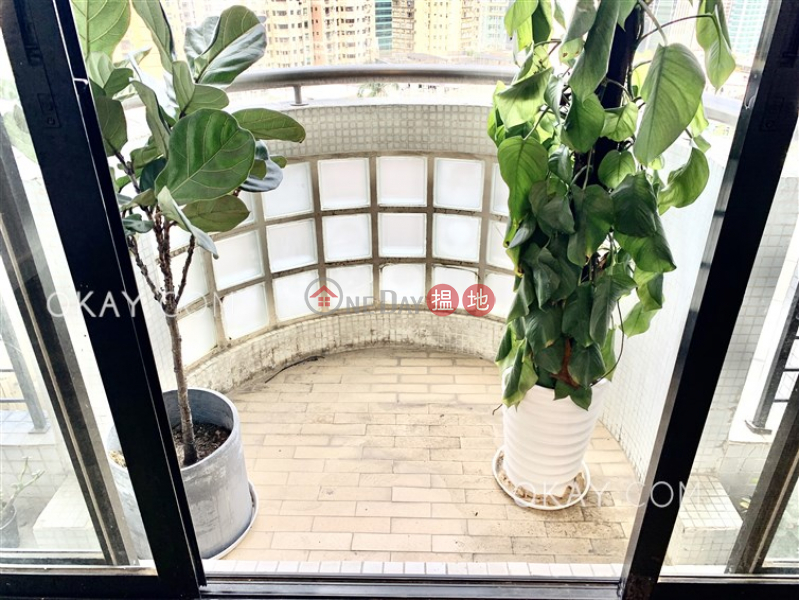 Gorgeous 4 bedroom with balcony & parking | Rental | Beverly Hill 比華利山 Rental Listings