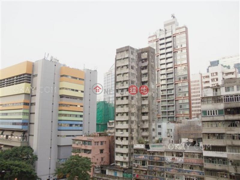 HK$ 33,000/ 月|Grand Austin 1座-油尖旺2房1廁,星級會所,露台《Grand Austin 1座出租單位》