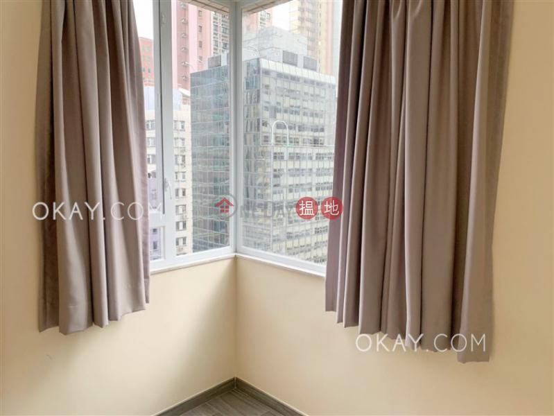 HK$ 950萬- 樂滿大廈 -灣仔區-2房1廁,極高層,連租約發售 樂滿大廈 出售單位