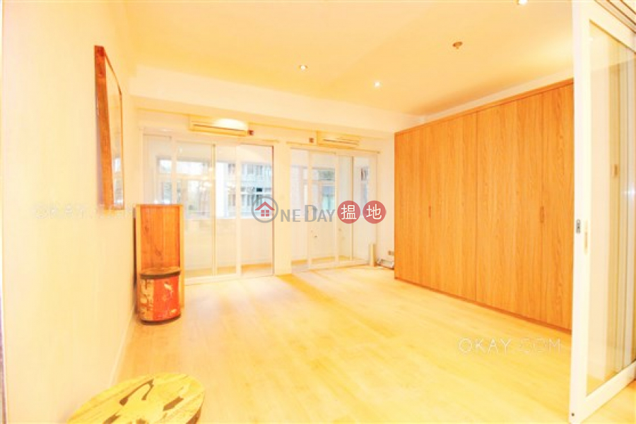 HK$ 11M Yu Hing Mansion Western District | Popular 1 bedroom with balcony | For Sale