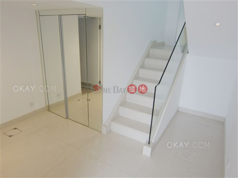 Gorgeous house with parking | For Sale, Las Pinadas 松濤苑 Sales Listings | Sai Kung (OKAY-S33309)