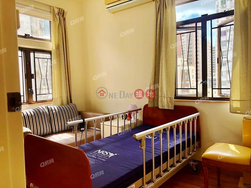HK$ 12M King Inn Mansion, Wan Chai District King Inn Mansion | 3 bedroom High Floor Flat for Sale