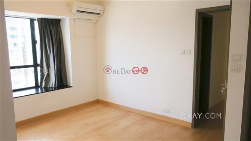 2房2廁,實用率高,極高層,連車位駿豪閣出售單位-52干德道   西區-香港-出售HK$ 2,200萬
