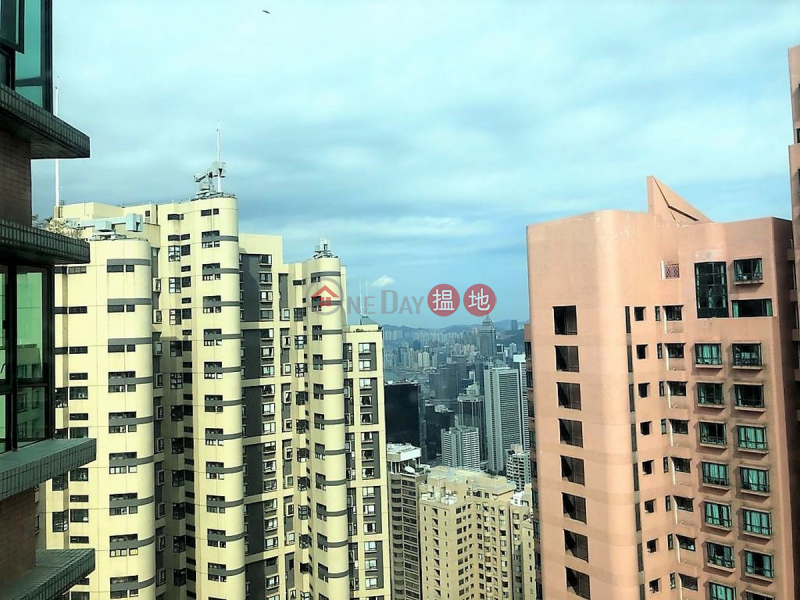 HK$ 16M, Hillsborough Court, Central District, 2 Bedroom Flat for Sale in Central Mid Levels