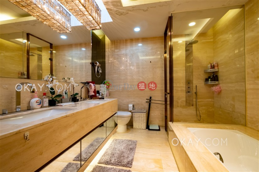 Gorgeous house with balcony   Rental, 28 & 33 Kwu Tung Road   Kwu Tung, Hong Kong Rental, HK$ 58,000/ month