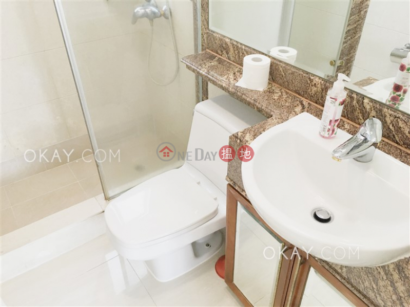 HK$ 38,000/ month, Tower 3 The Victoria Towers | Yau Tsim Mong, Charming 3 bedroom with harbour views & balcony | Rental
