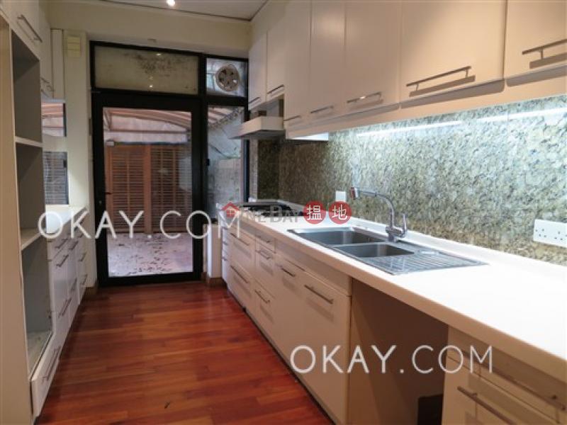 香港搵樓|租樓|二手盤|買樓| 搵地 | 住宅出租樓盤4房3廁,可養寵物,連車位《羅便臣道1A號出租單位》