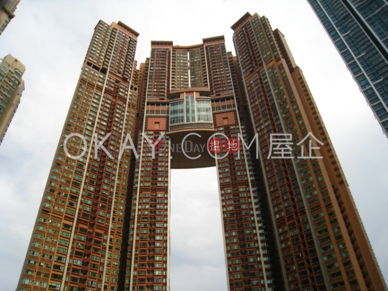 Luxurious 3 bedroom with balcony | Rental | The Arch Sun Tower (Tower 1A) 凱旋門朝日閣(1A座) Rental Listings