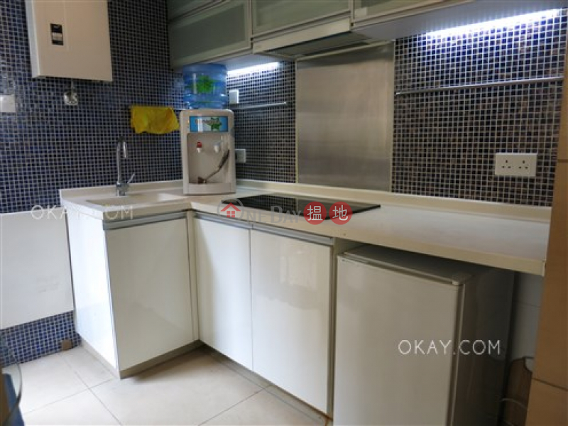 Charming studio with terrace | For Sale, Fung Shing Building 豐盛大廈 Sales Listings | Western District (OKAY-S67476)
