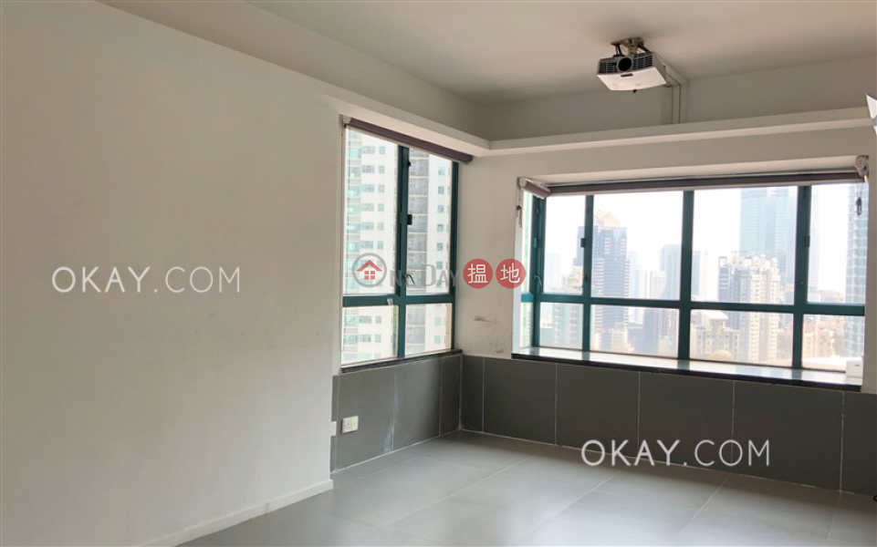Gorgeous 3 bedroom in Mid-levels West | For Sale | Prosperous Height 嘉富臺 Sales Listings