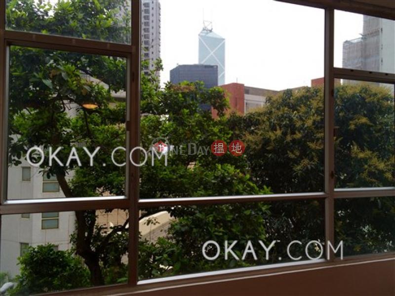 3房2廁,實用率高《晨光大廈出售單位》-38A-38D麥當勞道 | 中區香港-出售HK$ 2,800萬